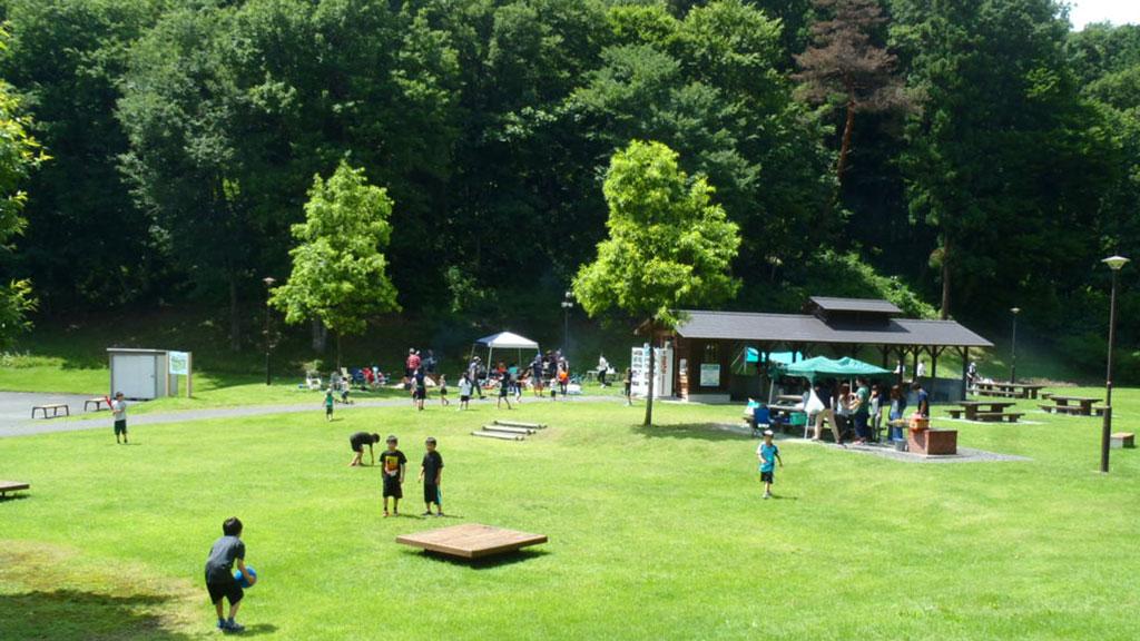 バーベキューを福島で楽しむなら、福島空港公園の野外活動エリアへ。